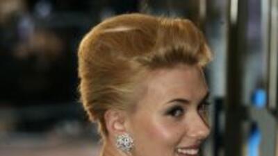 Scarlett Johansson y Sean Penn tienen una diferencia de 24 años.