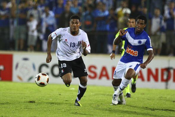 El triunfo por 2-0 dejó afuera de la copa al conjunto brasilero que fue...