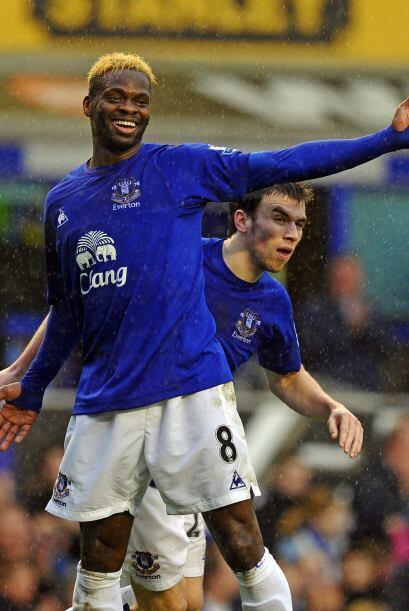 El goleador fue Louis Saha, anotó 4 para el Everton que le ganó al Black...
