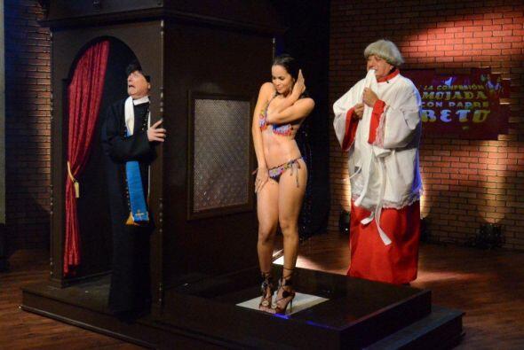 La penitencia no se hizo esperar y la bañaron en agua bendita para limpi...