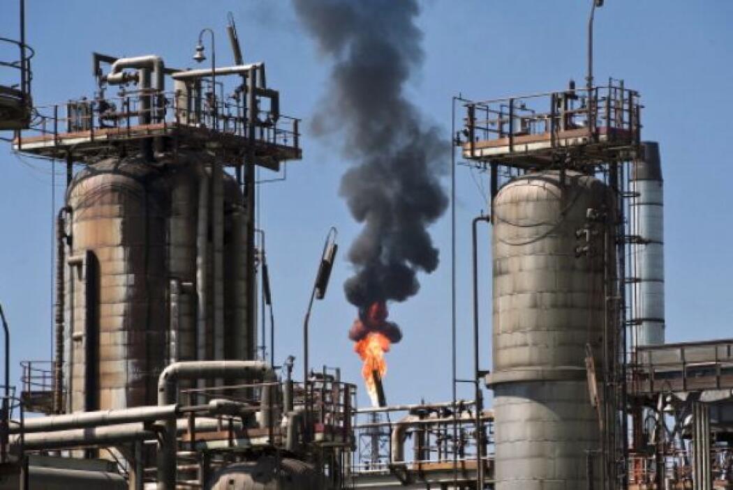5 de julio de 2007. Cinco explosiones, cuatro de ellas seguidas de incen...