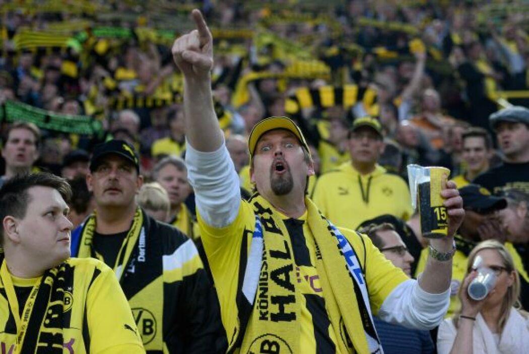 El Signal-Iduna-Park en Dortmund, Alemania recibía la segunda semifinal...