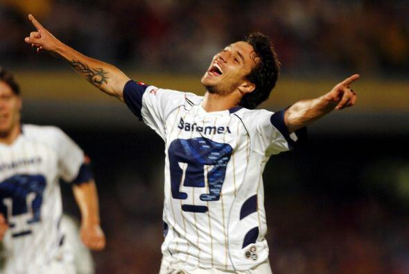 Otro argentino con pasado felino es Ignacio Scocco, el delantero pas&oac...