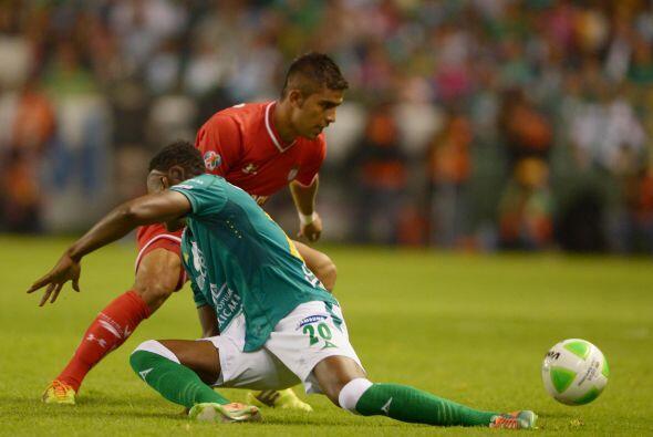 Miguel Ponce (7): Actuación aceptable por el costado izquierdo de...
