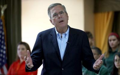 Jeb Bush en escuela de Miami