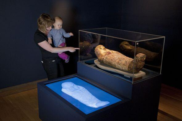 La primera momia entró en la colección del museo en 1756,...