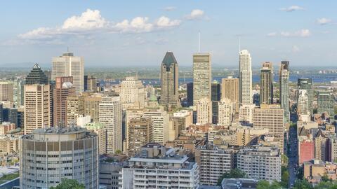 La vista de la ciudad de Montreal desde el mirador de Mont Royal.