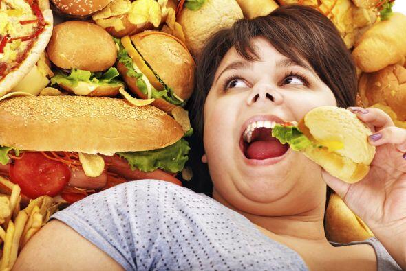 Peligros que debes evitar: Descuidarte y empezar a comer de forma despro...