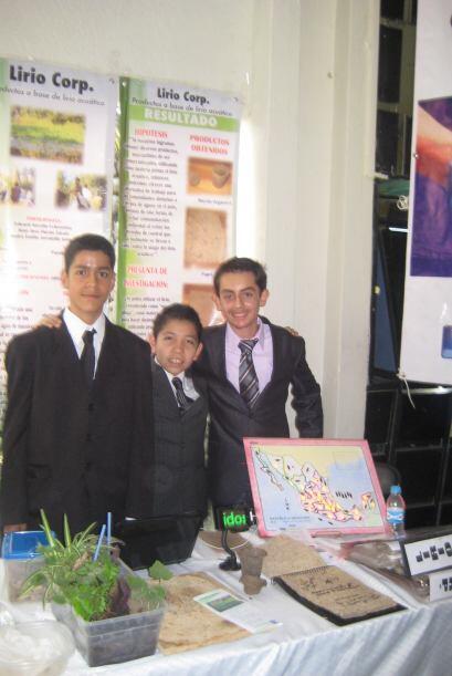 Allí, Edward, Pedro Emilio y José Juan  quieren presentar...