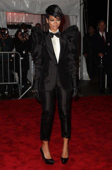 A Rihanna denle una prenda nunca antes vista ¡y ella está a...