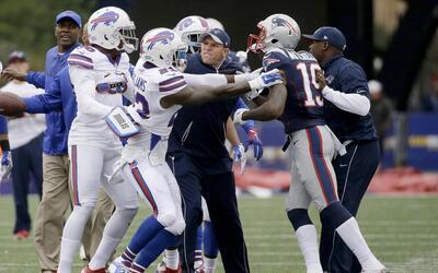 Calentando el partido, pleito entre Bills y Patriots