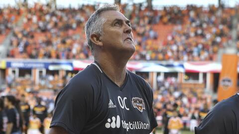 Owen Coyle dejó de ser el técnico del Houston Dynamo.