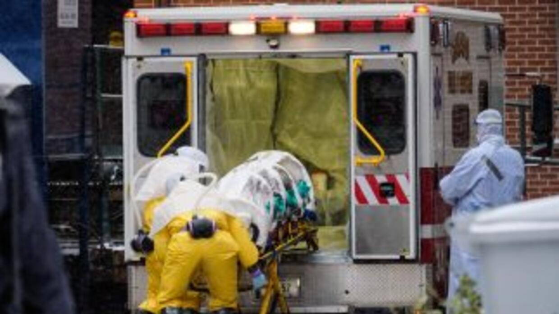 El traslado del médico sierraleonés Martin Salia al Nebraska Medical Cen...