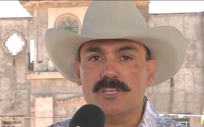 Ernesto Pérez 'El Chapo de Sinaloa', recolecta firmas para ser candidato...