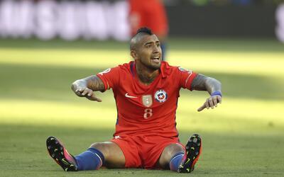 Arturo Vidal no podrá jugar ante Colombia por suspensión.