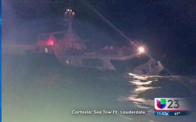 Rescatan a 13 personas tras hundirse yate de lujo cerca de Ft. Lauderdale