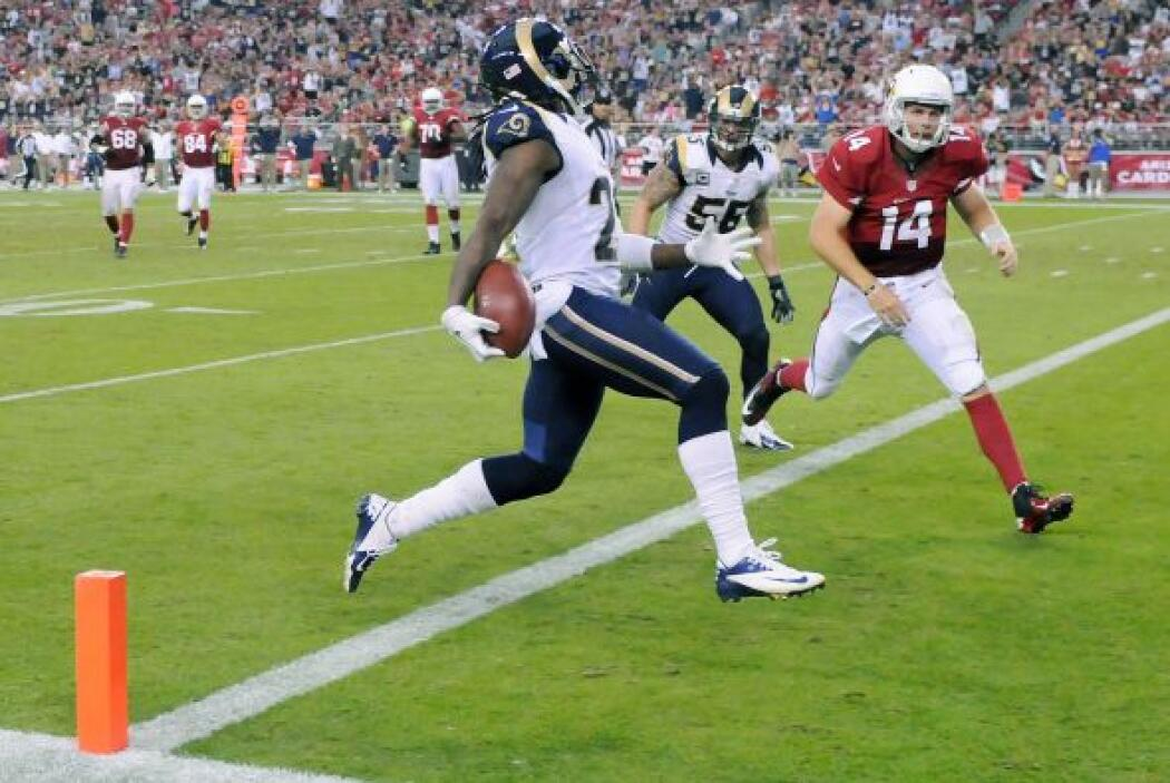 El novato esquinero de los Rams,Janoris Jenkins, interceptó en dos ocas...
