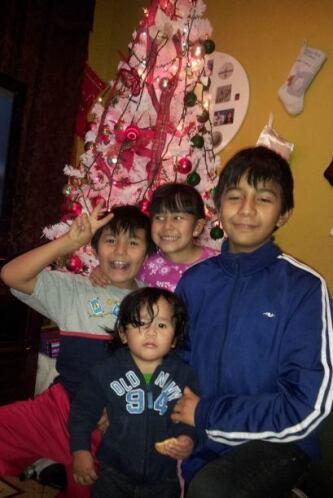 Los hijos de Maria Ojeda ya estan listos para disfrutar de estas navidades.