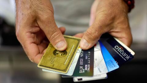 Qué conviene más: ¿Tarjeta de crédito o de débito?