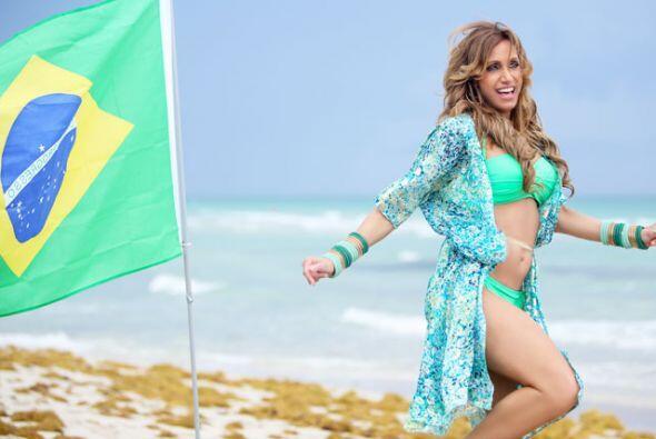 Muy acorde con los colores de la bandera de Brasil, Lili disfrutó del cl...