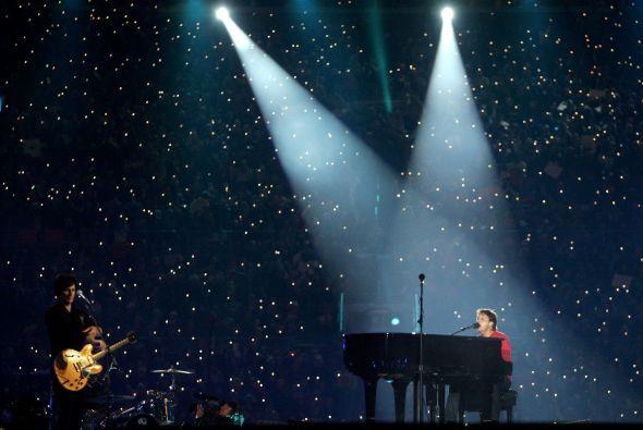 SB XXXIX Paul McCartney hizo que todo el estadio coreara sus canciones.