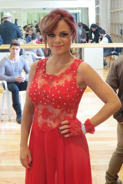 Ana Cristina nos presume su bello vestido rojo de esta semana.