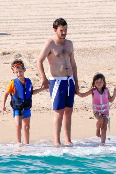 Jerónimo y Fiona, los nenes de Diego estuvieron disfrutando de las playa...