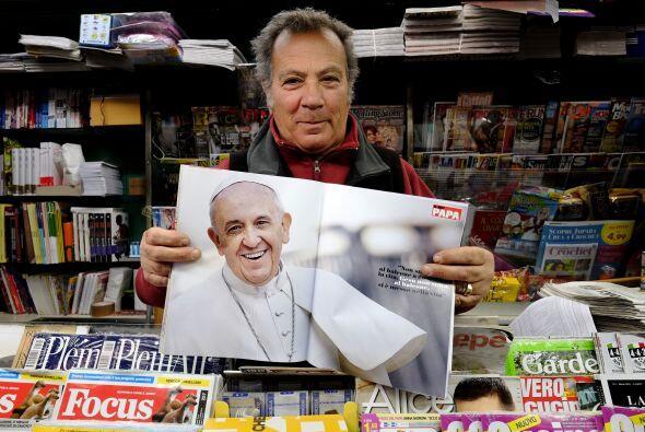 """La revista titulada """"Mi Papa"""" (' papa Il mio ') (anunciado como la"""" prim..."""