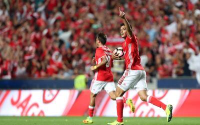 Raúl Jiménez volvió a marcar con el Benfica
