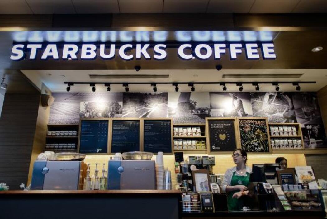 Al ser preguntado sobre si Starbucks será un competidor en Colombia de l...