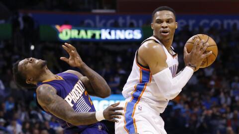 Westbrook además sumó 26 puntos y 11 rebotes.
