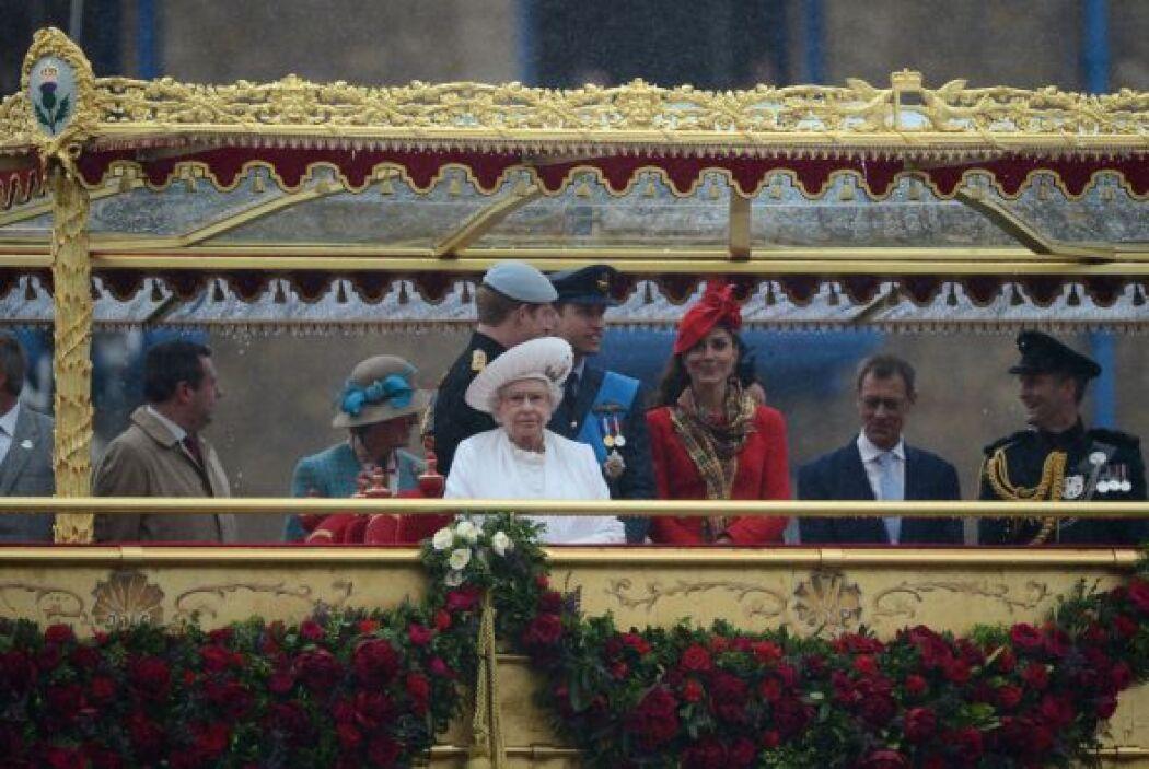 $476 MILLONES- Se estima que la fortuna personal de Isabel II asciende a...