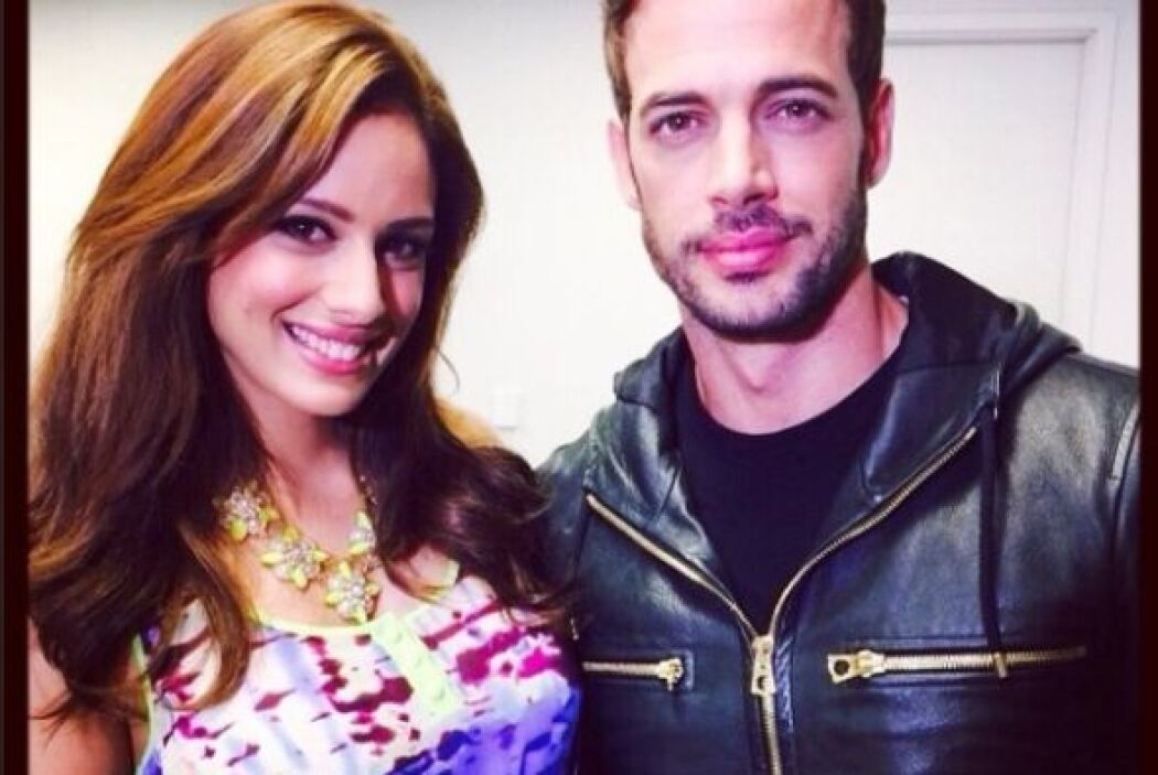 Una foto junto al guapo y talentoso William Levy. ¡Chicas, mueran de env...