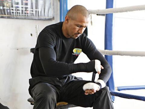 Orlando Salido, realizó un entrenamiento para la prensa, rumbo a su pele...