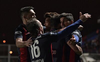 San Lorenzo goleó 4-1 a Banfield