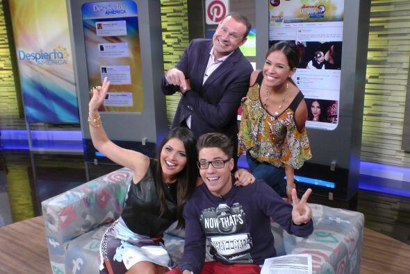 Una hermosa foto del recuerdo junto a Karla, William y Alan Tacher.