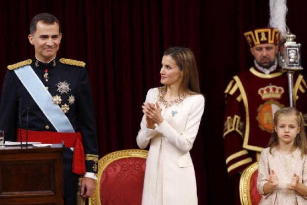Más tarde, Felipe VI juró a la Constitución y fue proclamado rey de España.