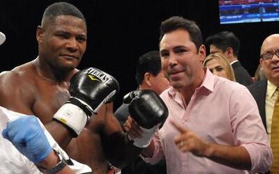 Luis Ortiz ganó el título interino pesado de la AMB y Oscar De la Hoya p...