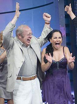 Felices Eduardo Manzano y Samia tras conseguir primer lugar