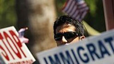 Activistas pro inmigrantes y laborales lanzaron boicot contra Arizona 30...