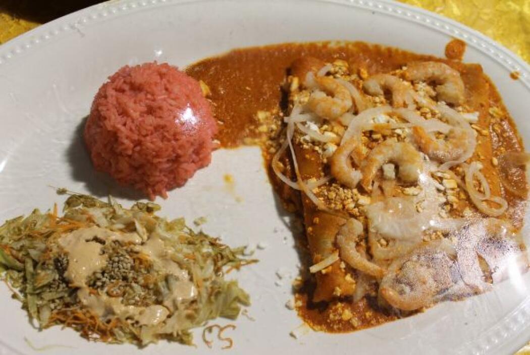 El arroz del color es maravilloso y hace que el plato luzca muchísimo.