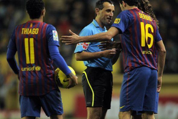 Protestas barcelonistas. Villarreal también reclamó unposible penalti de...