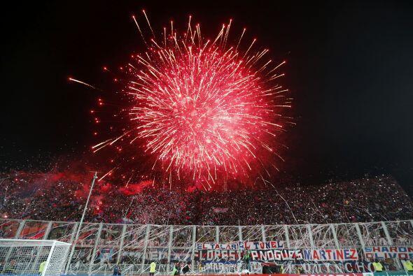 El estadio de los argentinos fue una verdadera fiesta llena de color, al...