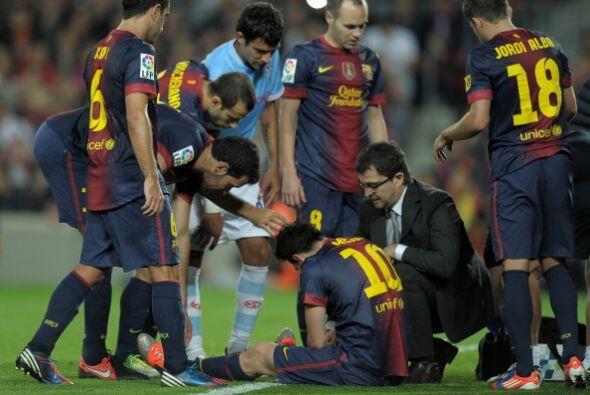 Messi tuvo que ser atendido y pudo jugar unos minutos más antes de acaba...