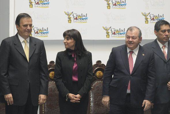 Como testigo de tal evento estuvo el alcalde capitalino Marcelo  Ebrard.