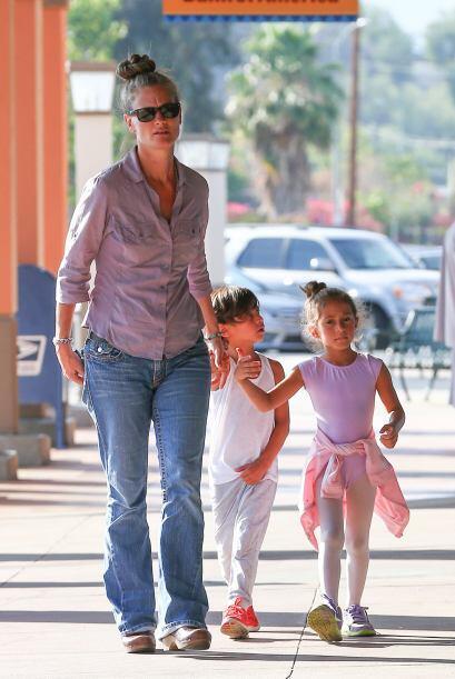 La confiable niñera de J.Lo siempre cuida muy bien a los pequeños. Mira...