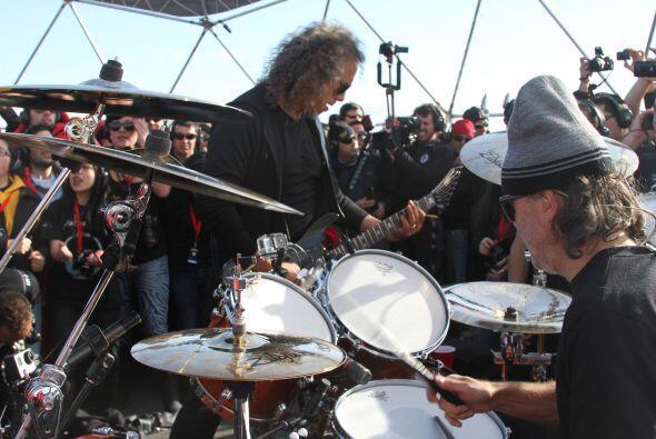 """""""Gracias por acompañarnos en el concierto más memorable de Metallica"""", l..."""