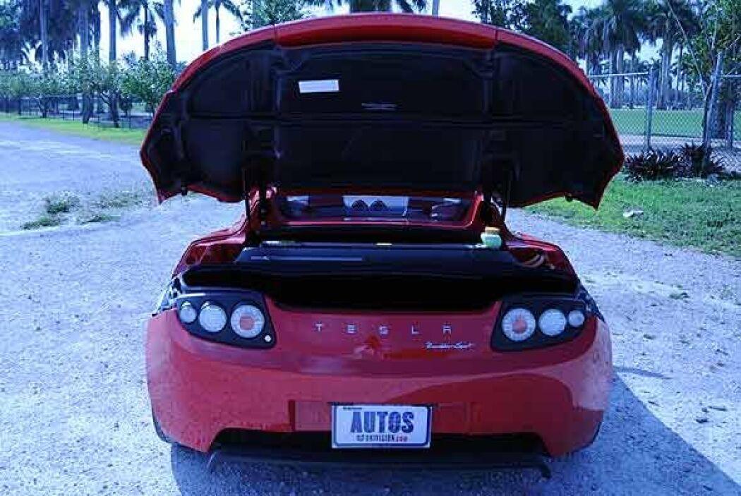 Su motor eléctrico le permite acelerar de 0 a 60 mph en 4 segundos.