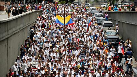 La marcha opositora de este sábado partió desde distintos puntos de Cara...