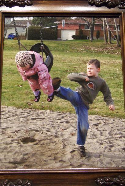 ¿Y que tal esta foto que muestra que el amor entre hermanos tiene sus al...